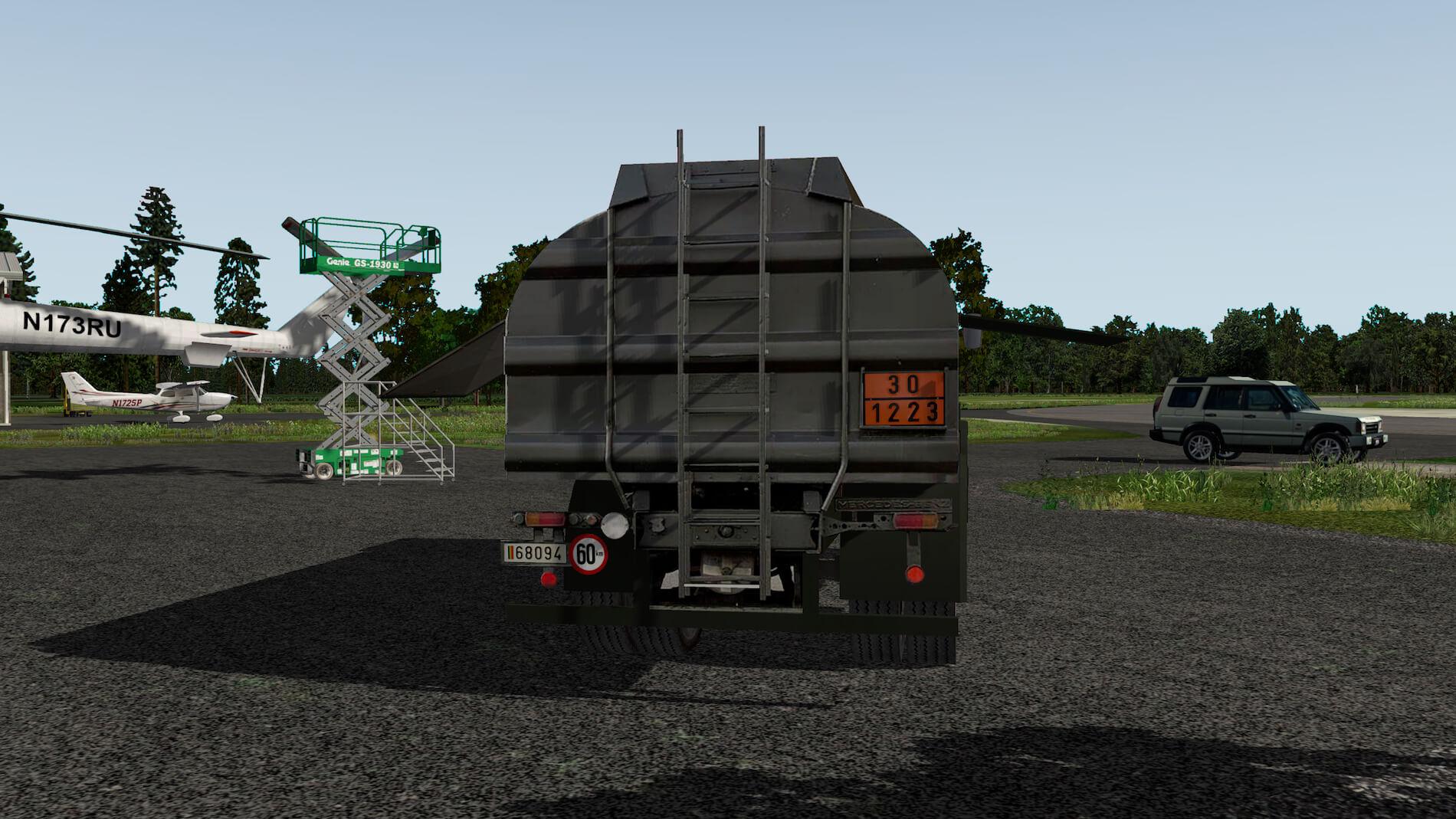 Military-Mercedes-Refuel-truck-07