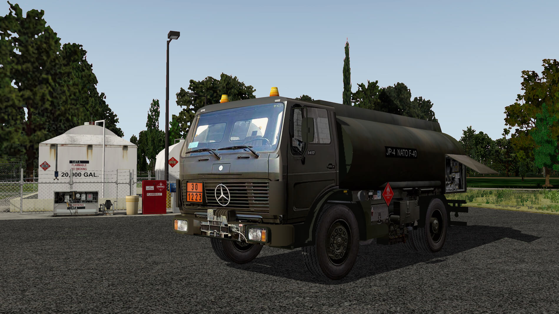 Military-Mercedes-Refuel-truck-08