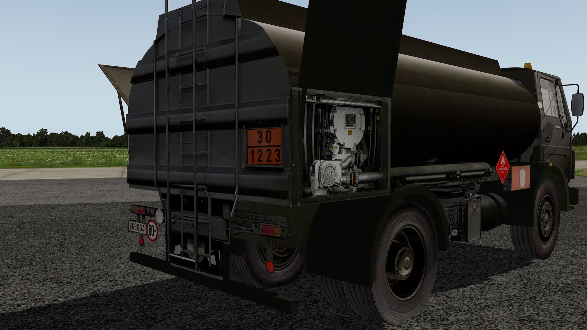 Military-Mercedes-Refuel-truck-11