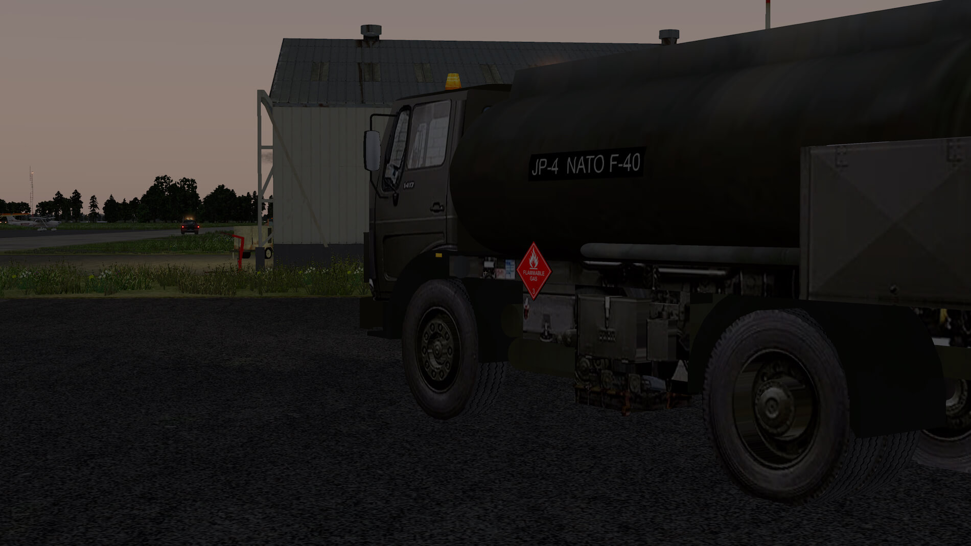 Military-Mercedes-Refuel-truck-15